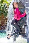 http://wvw.wetlookbeauties.com/vt-con/uploads/ wb0042-cute-latina-in-wet-grey-freddy-jeans-in-pool-04.jpg